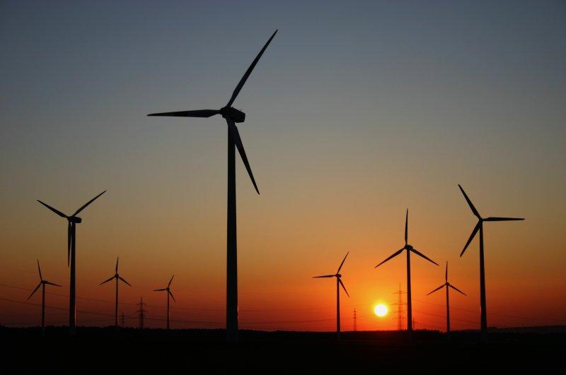 """""""Wind und Sonne als Teile eines neuen Energiekonzeptes"""", Foto: Reinhard Sendbote."""