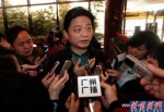Cui Yongyuan umringt von Journalisten. Ist seine Wut auf die Regierung berechtigt? (Foto:enbar.net)