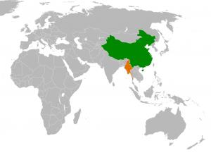Chinesische Netizens diskutieren Burmas Demokratisierung: hat das kleinere Nachbarland China überholt? ©Mangostar [Public domain], via Wikimedia Commons