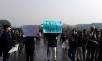 Infolge der Vergewaltigung einer 23-jährigen Studentin in Neu Delhi gingen viele Inder auf die Straße, um für besseren Schutz von Frauen und ihrer Interessen zu protestieren. ©wikicommons