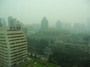 Aus dem Pekinger Smog gibt es kein Entrinnen © Ella Daschkey
