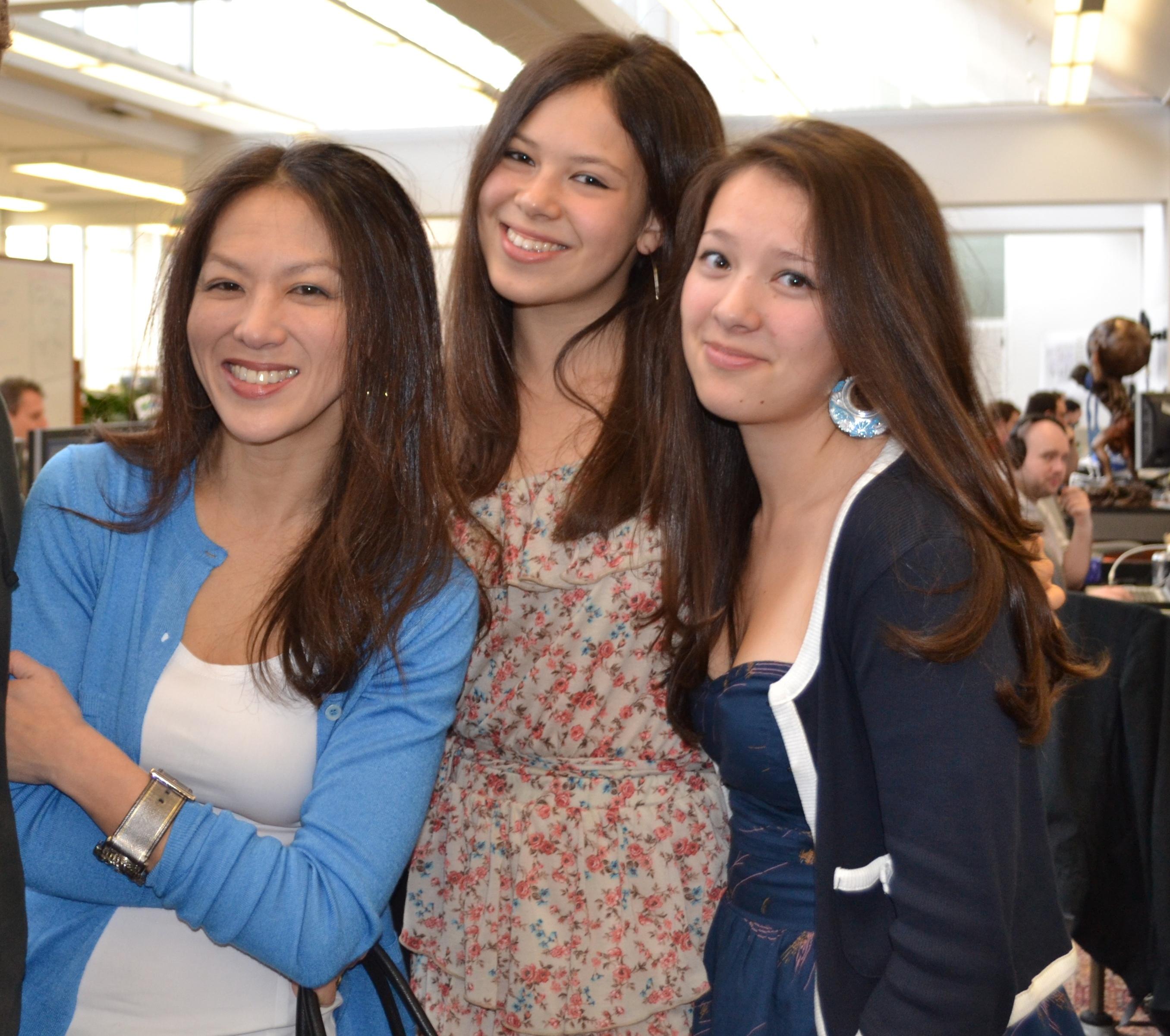 Amy Chua und ihre Töchter – ein Spiegel chinesischer Erziehung? © Qalandariyya via Wikimedia Commons