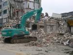 Dujiangyan 15.05.2008 - drei Tage nach der Katastrophe werden fast nur noch Leichen aus den Trümmern geborgen. © Viviane Lucia Fluck