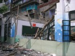 Eine der vielen zerstörten Schulen in Sichuan. © Viviane Lucia Fluck
