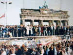 Der Fall der Berliner Mauer 1989 © Lear21, via Wikimedia Commons