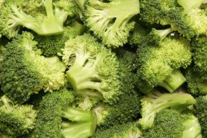 Nicht alles, was grün ist, ist bio. Wikicommons,  https://upload.wikimedia.org/wikipedia/commons/f/fb/Broccoli_bunches.jpg