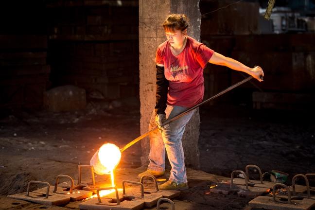 Wo es an Arbeitssicherheit oder finanzieller Absicherung mangelt, steigt die Zahl der Streiks. © Panda Kwok,  veröffentlicht von Asia Monitor Resource Centre (AMRC),  http://tinyurl.com/krpxh5h