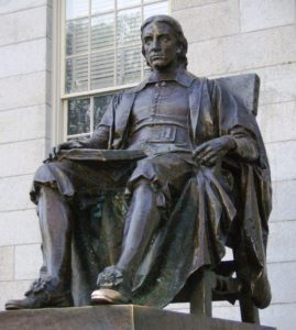 Statue des Gründers der Harvard University John Harvard. Die Elite-Universität ist auch in China eine Institution mit hohem Symbolwert. Von alainedouard - Own work by Alain Edouard, CC BY-SA 3.0, tinyurl.com/yamplqcj
