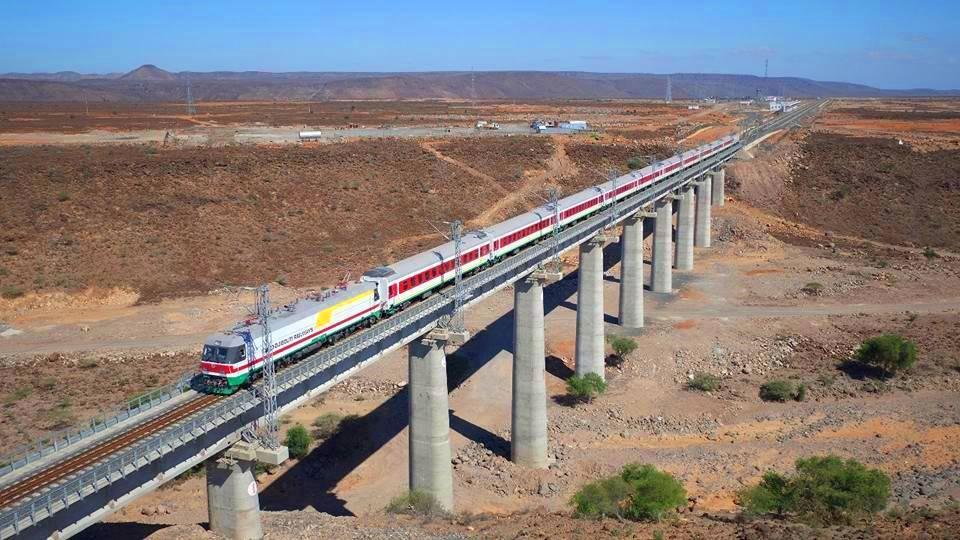 Mit chinesischer Finanzierung gebaut: Bahnstrecke Addis-Djibouti bei Hohol, (c) wikicommons: tinyurl.com/yas9hgzv